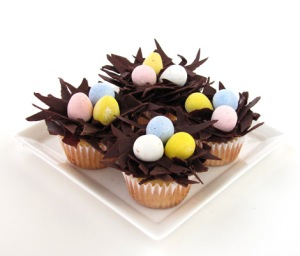 Nested-Easter-Egg-Cupcakes_BakersRoyale_4701